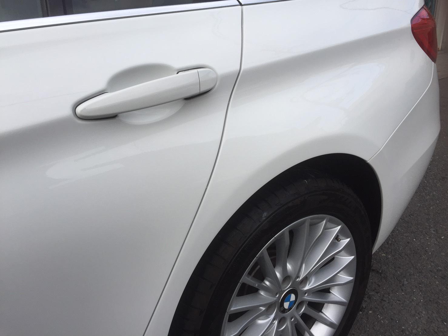 26年式  BMW3 左リアドア リアフェンダー修理